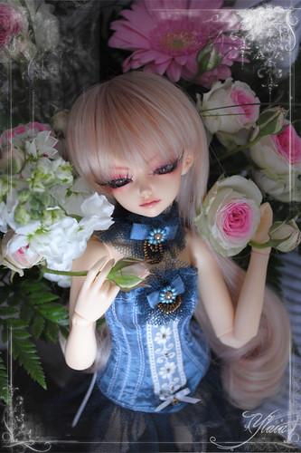 Yanlei dans les fleurs