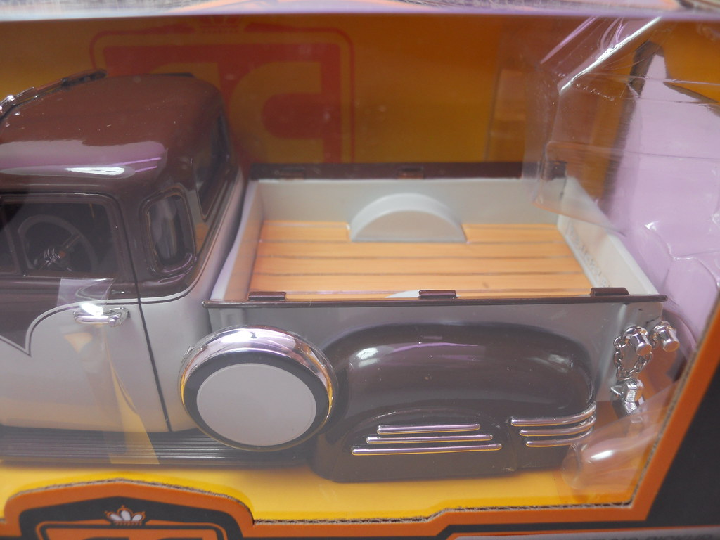 jada toys 1951 chevy pickup collectors club (5)