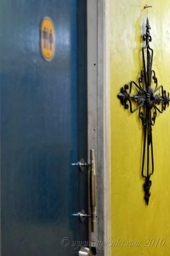 The door to the restroom - Cocina Juan
