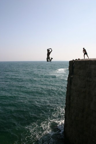 Cliff Jumping 2
