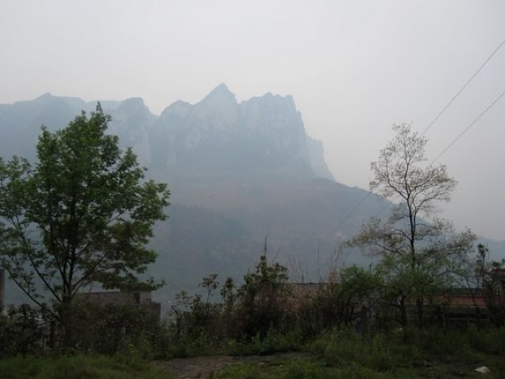 yangtze river mountains