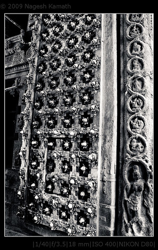 Details on the door of Jalakanteshwar temple | Vellore fort
