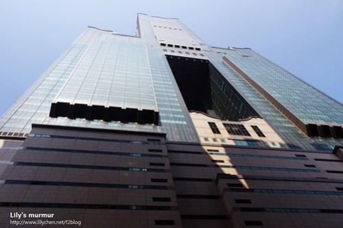 在85大樓腳下拍到的,很壯觀吧!