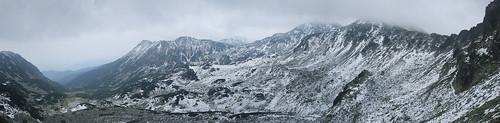 Valea Pietrele de pe peretele Bucurei