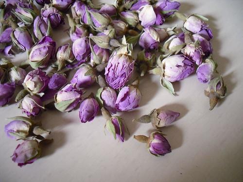 loose rosebuds