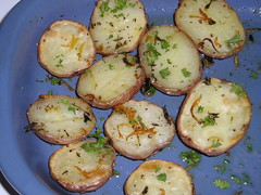 Potatoes w lemon & thyme