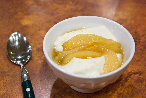 panna cotta with pears