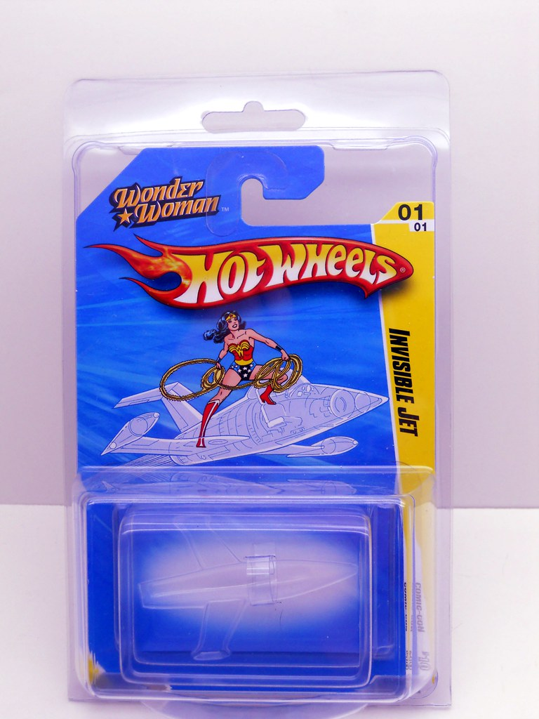2010 sdcc hot wheels wonder woman invisible jet