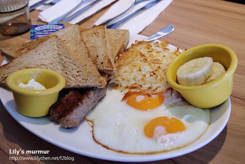 阿瑞典的招牌早餐,據說薯餅很好吃!