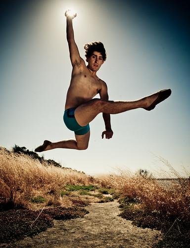 Phillip : male ballet dancer catches the sun