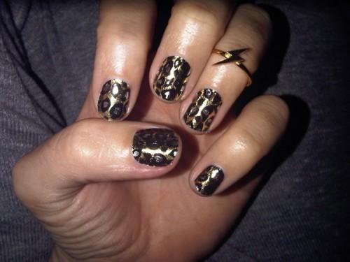 katy-perry-minx-nails-leopard-500x375
