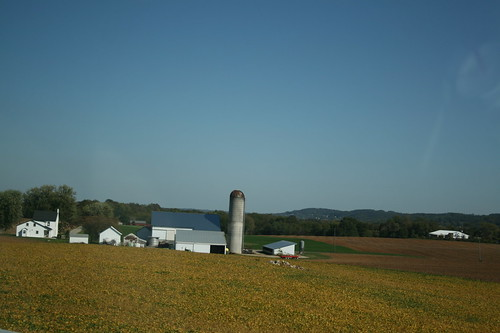 A PA farm in autumn