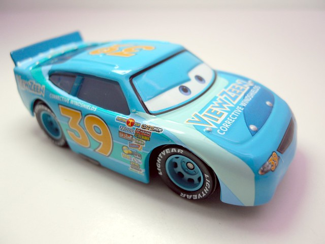 DISNEY CARS KMART COLLECTOR DAY 5  VIEW ZEEN (2)