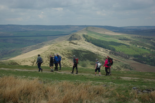 20100425-16_Heading along The Great Ridge near Mam Tor by gary.hadden