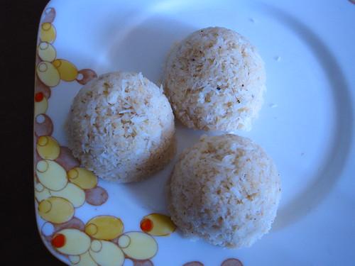 passionfruit & macadamia macaroons