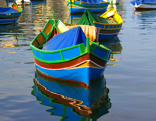 5014794373 13a4f0261c - Colourful Boats