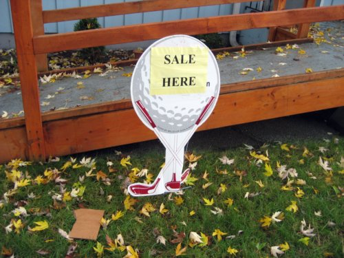 Golf ball sale sign