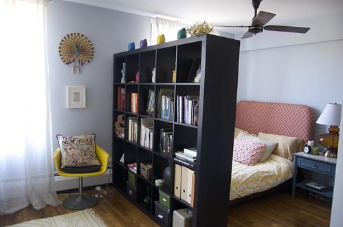My Bookshelf Wall to divide my studio