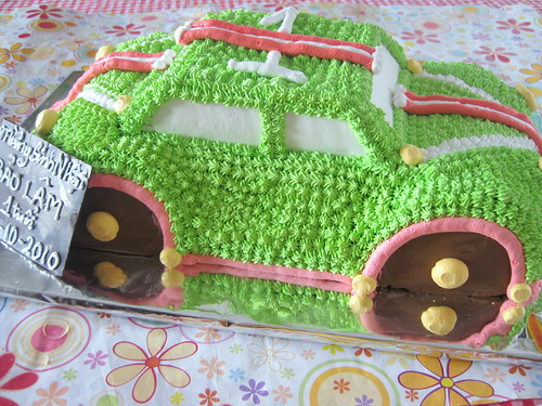 Green car cake