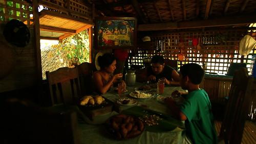 The Last Supper-Sonia (Angeli Bayani), Lino(Allen Dizon) and Natoy(Paolo Constantino) unknowingly
