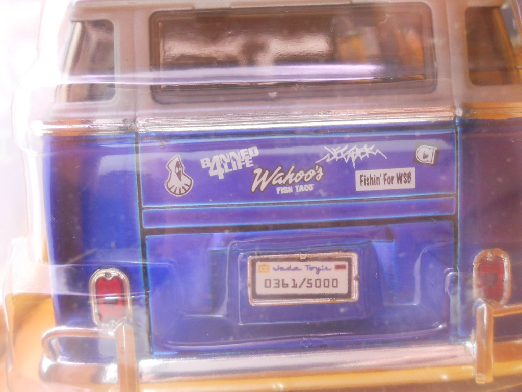 jada toys 1962 volkswagen bus collectors club (4)