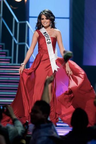 Miss Universe 2010 Jimena Navarrete
