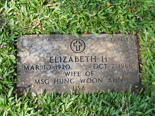 Picture of Hawaii's Punchbowl Cemetery