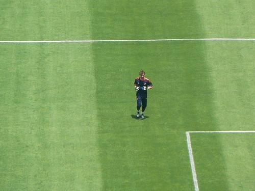 Iker Casillas calentando