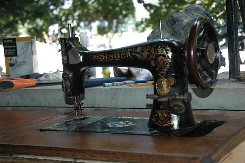 1906 singer 039.JPG