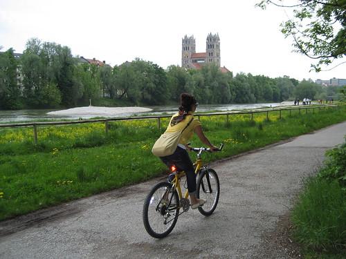 Bike ride along the Isar