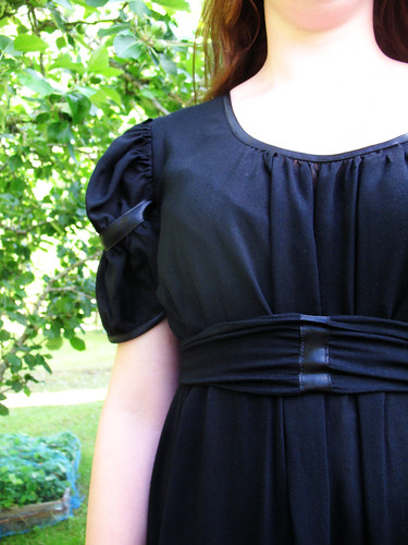 summer dress - front detail
