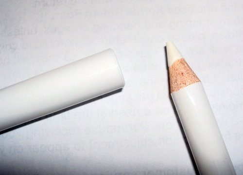White Eye Pencil