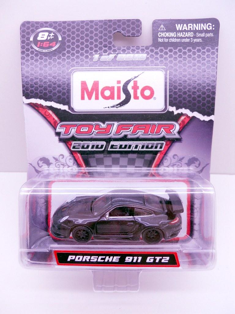 Maisto 2010 Toy Fair Porsche 911 GT2 (1)