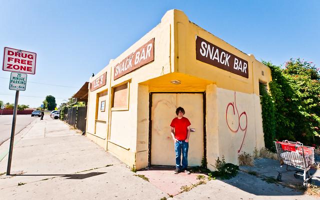 Lee's Snack Bar