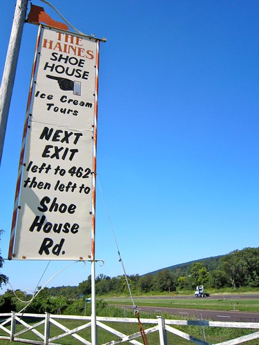 Shoe House Sign