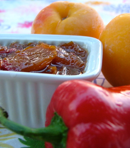 Chutney percocche e peperoncino fresco