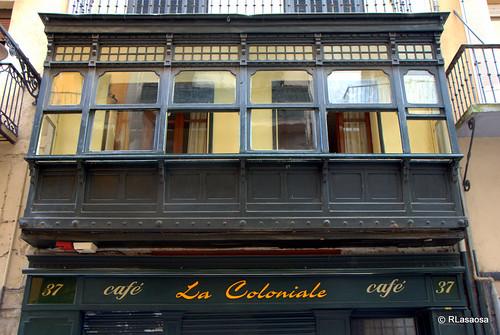Bonito mirador en la calle Estafeta de Pamplona