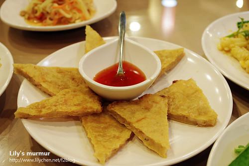 月亮蝦餅,雖然餅有點小小硬,但還算不錯吃,也有及格。