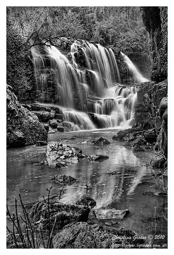 "Cascada • <a style=""font-size:0.8em;"" href=""http://www.flickr.com/photos/20681585@N05/4880802250/"" target=""_blank"">View on Flickr</a>"