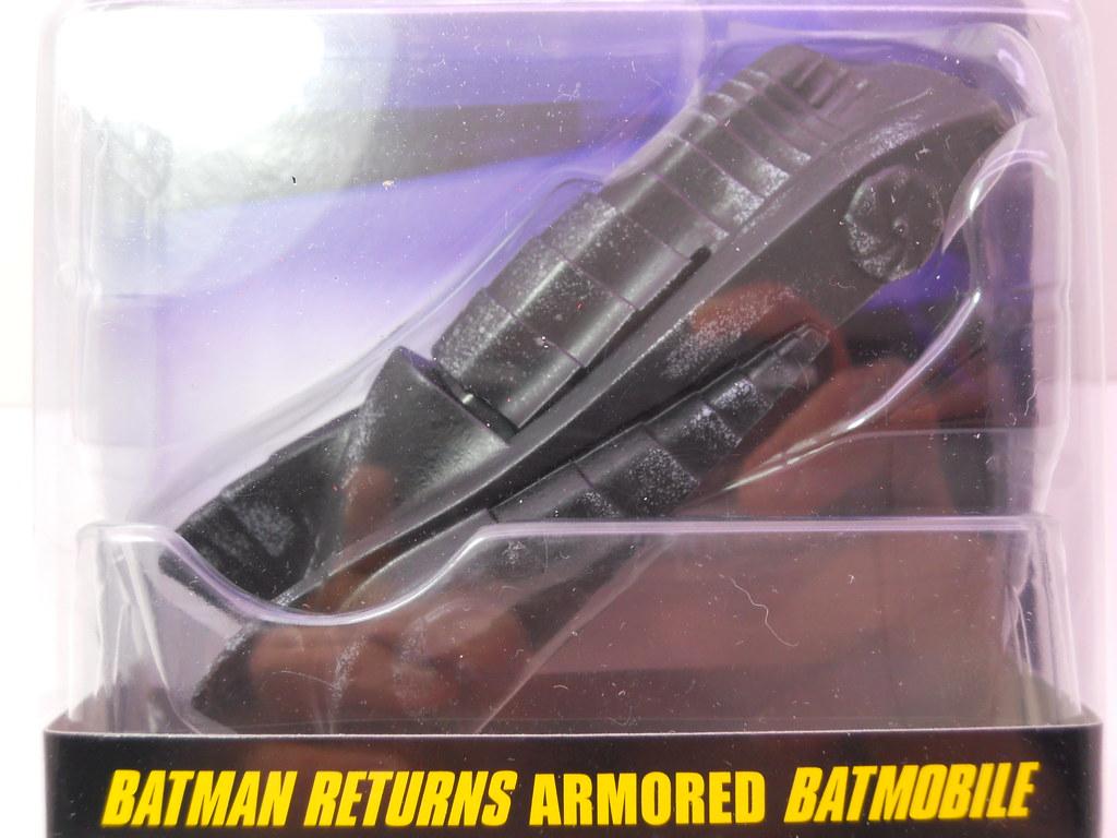 hw armored batmobile  (1)
