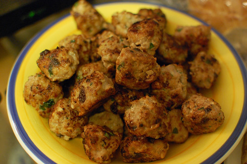 Meatballs with Pinenuts and Raisins