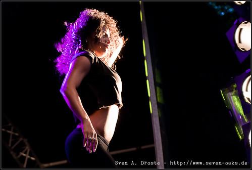 Dancer / N*E*R*D