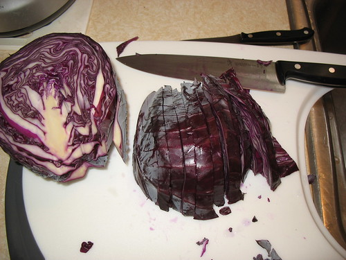 Red cabbage chopping