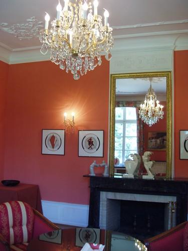 201009190080_salon-rouge
