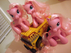 Pinkie Ponies, Roll Out!