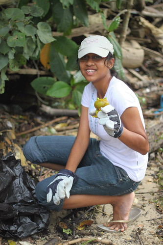 06year-round-cleanup-lim_chu_kang-9oct2010[pye]