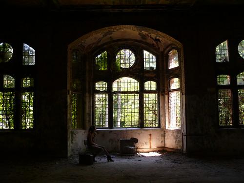 palace of a hidden beauty