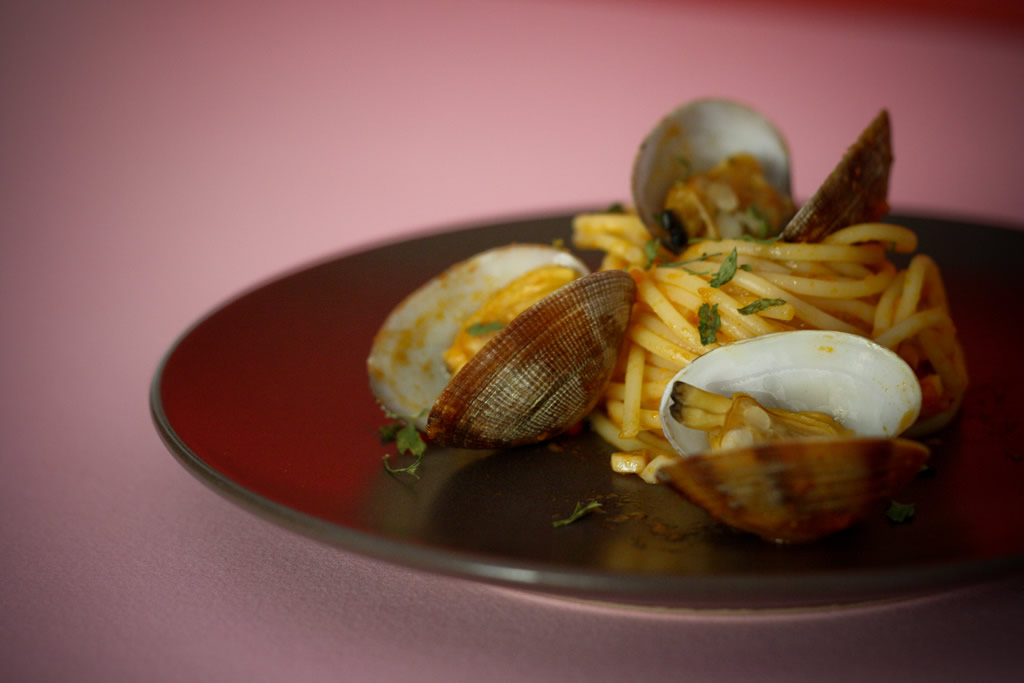 Receta de spaguetti alle vongole o espagueti con almejas