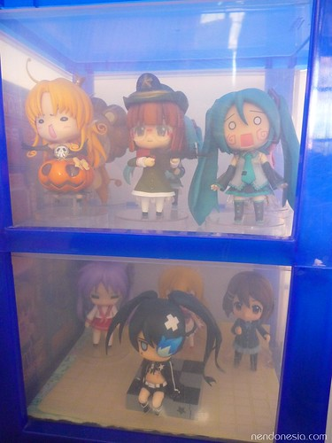 I store my Nendoroid inside a medium-sized container