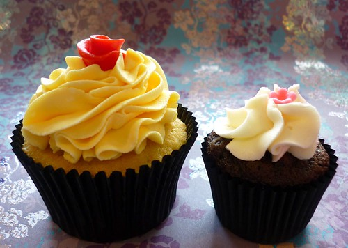 Comparison Of Mini Vs Or Standard Size Cupcakes